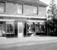 'Dolly Freeman's' shop in 1940